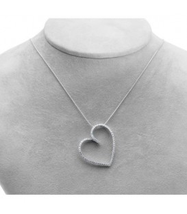 0.27 Carat Diamond Heart Pendant 18Kt White Gold