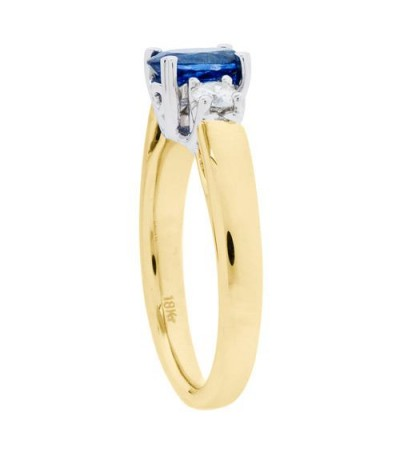 1.28 Carat Oval Cut Ceylon Sapphire and Diamond Ring 18Kt Yellow Gold