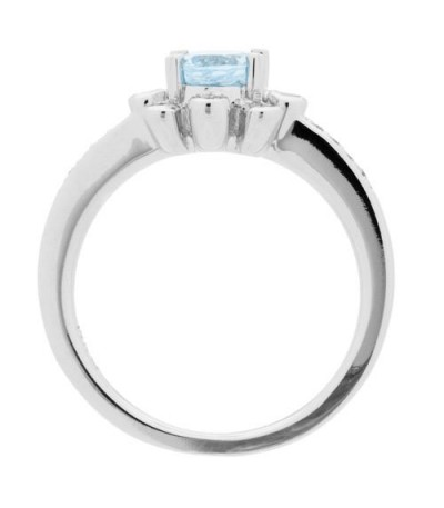 0.85 Carat Oval Cut Aquamarine and Diamond Ring 14Kt White Gold