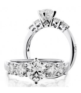 More about 2 Carat Round Brilliant Diamond Ring 18Kt White Gold