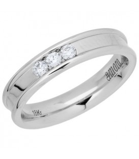 Rings - 0.15 Carat Round Brilliant Diamond Band 18Kt White Gold