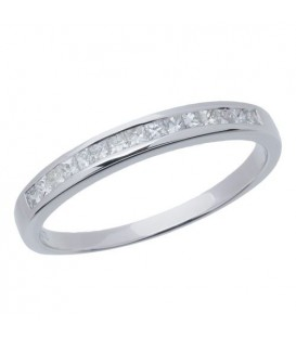Rings - 0.26 Carat Princess Cut Diamond Band 18Kt White Gold