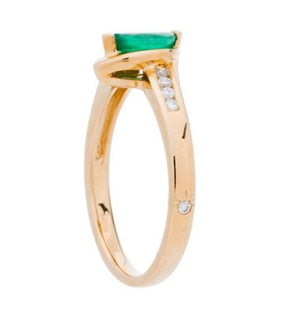 0.45 Carat Oval Cut Emerald and Diamond Ring 14Kt Yellow Gold