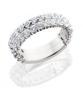 Rings - 2.20 Carat Round Brilliant Diamond Eternity Band 18Kt White Gold