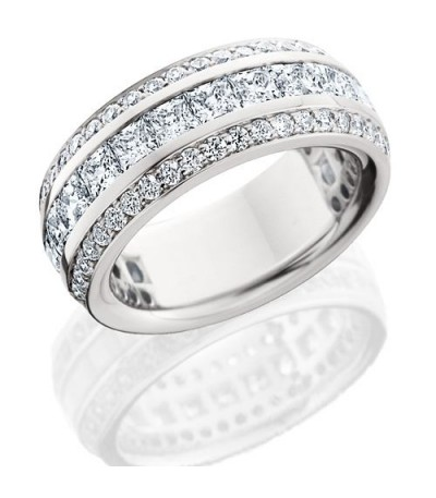 Rings - 2.81 Carat Princess Cut Eternity Band 18Kt White Gold