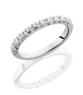 Rings - 0.94 Carat Princess Cut Eternity Band 18Kt White Gold