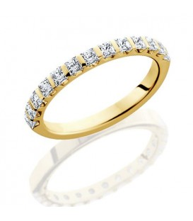 0.94 Carat Princess Cut Eternity Ring 18Kt Yellow Gold