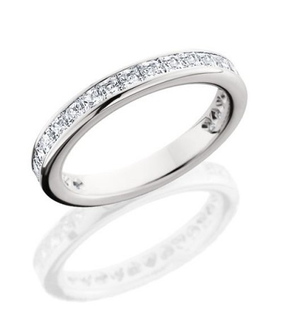 Rings - 1.70 Carat Princess Cut Eternity Band 18Kt White Gold