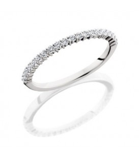 Rings - 0.31 Carat Round Brilliant Diamond Eternity Band 18Kt White Gold
