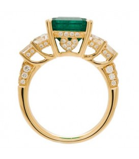 7.14 Carat Emerald Cut Colombian Emerald and Diamond Ring 18Kt Yellow Gold