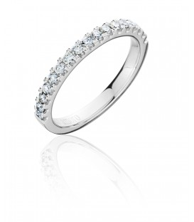 0.37 Carat Round Brilliant Cut Diamond Ring 18Kt White Gold